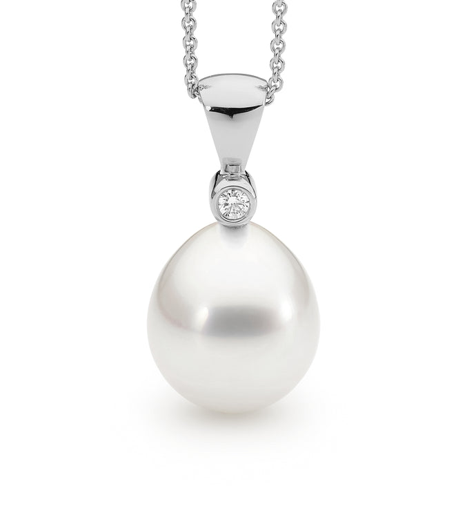18ct White Gold South Sea Pearl & Diamond Pendant