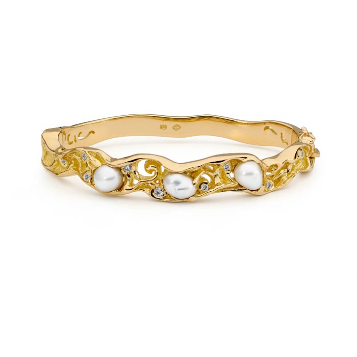 Keshi Pearl and Diamond Bangle