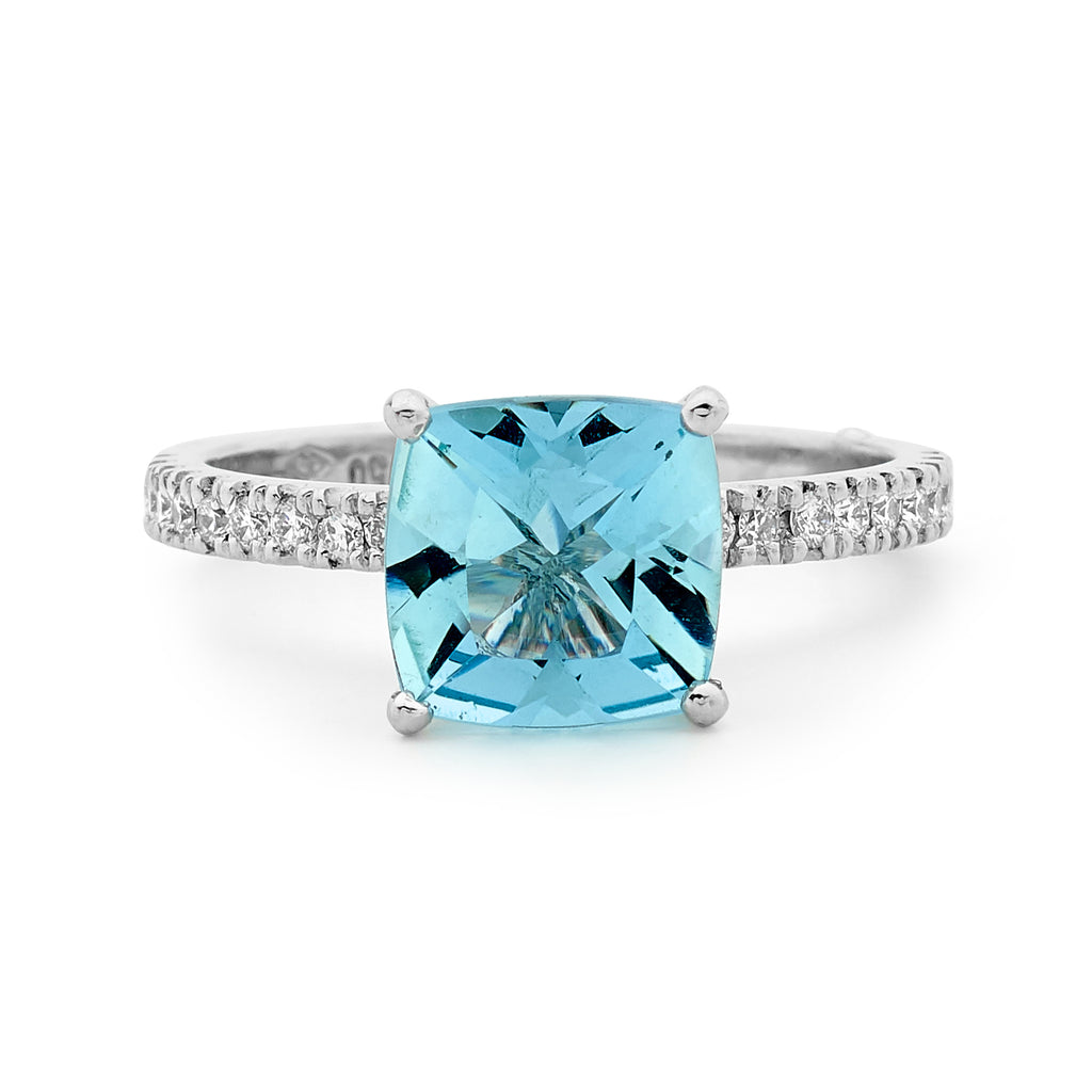 6452e91666157 18ct White Gold, Diamond and Aquamarine Ring