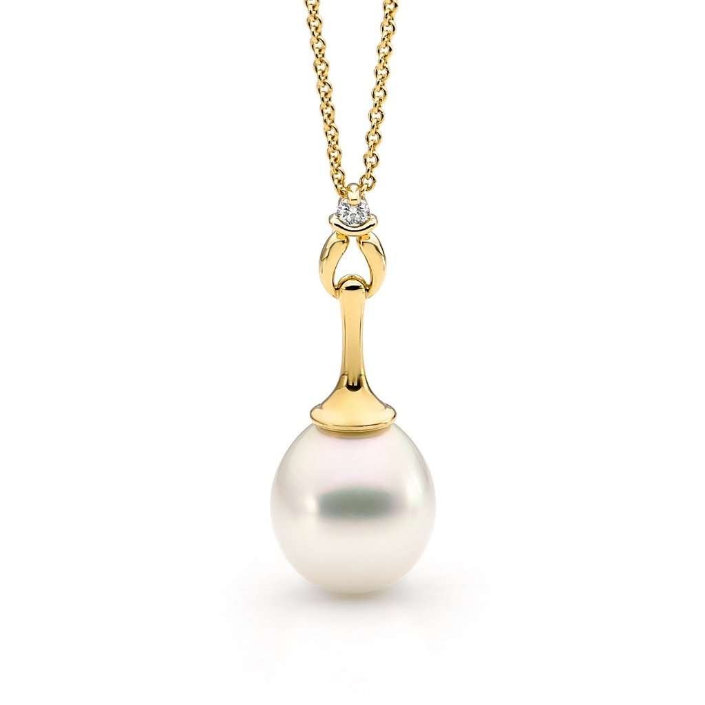 Yellow Gold Pearl & Diamond Pendant Pearl Pendant jewellery stores perth perth jewellery stores australian jewellery designers online jewellery shop perth jewellery shop jewellery shops perth perth jewellers jewellery perth jewellers in perth diamond jewellers perth bridal jewellery australia pearl jewellery australian pearls diamonds and pearls perth