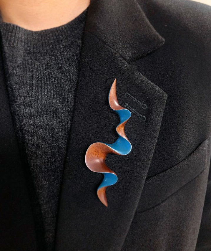 Walnut Wood Brooch - Confluence by Joo Hyung Park Ame Gallery