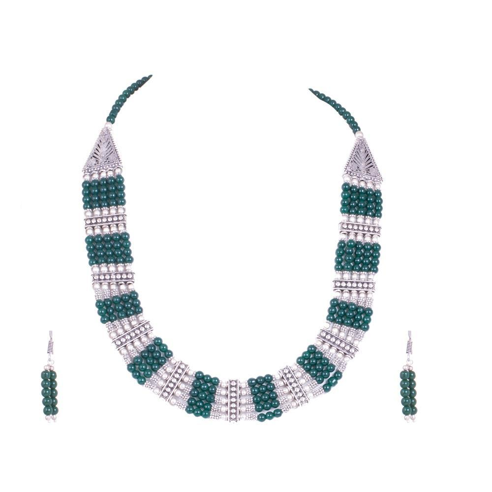 Bold emerald and silver necklace