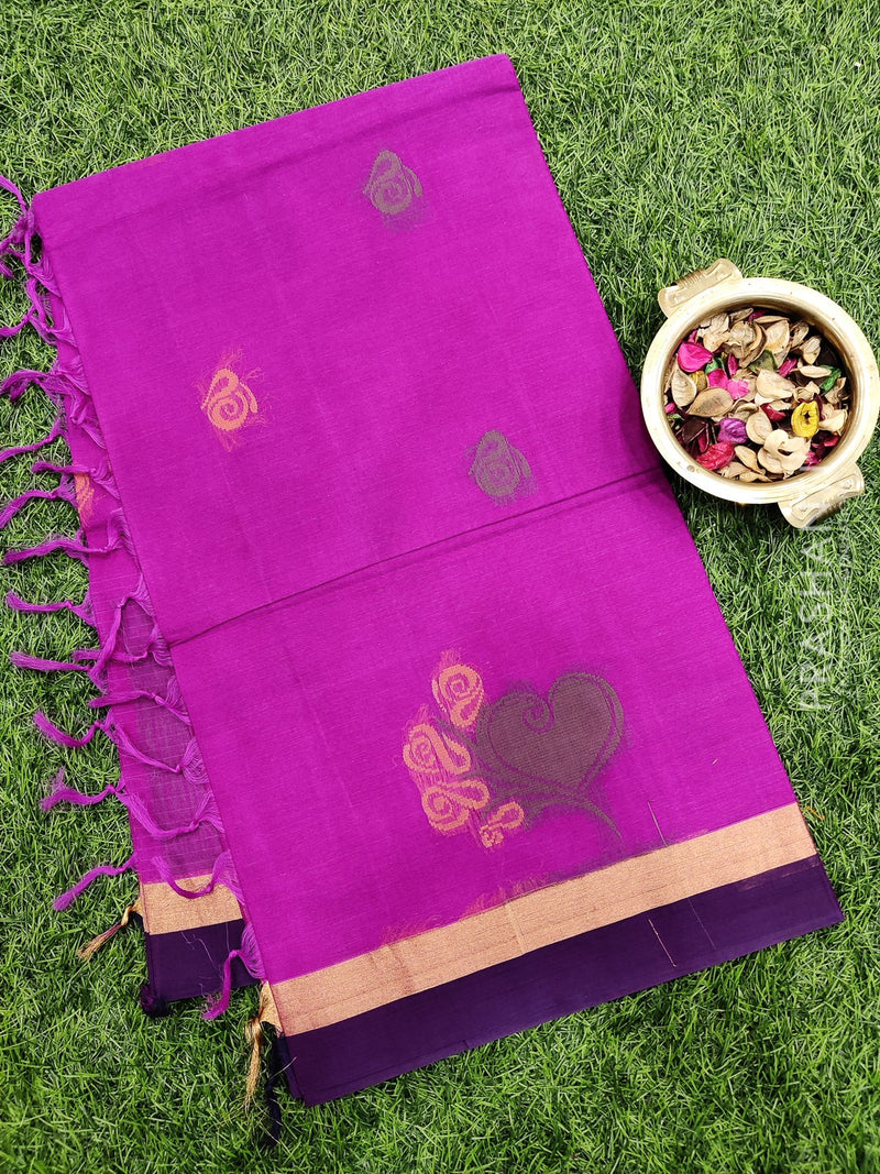 Handloom Cotton Saree magenta pink with thread woven buttas and simple border