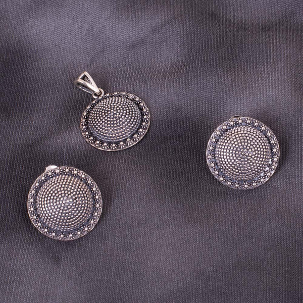 Statement And Circular 92.5 Silver Pendant Set