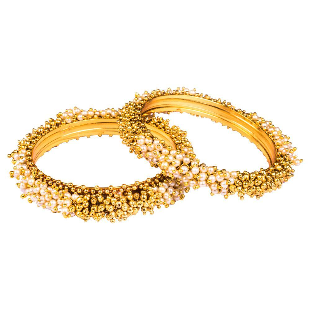 Clustered pearl gold bangles