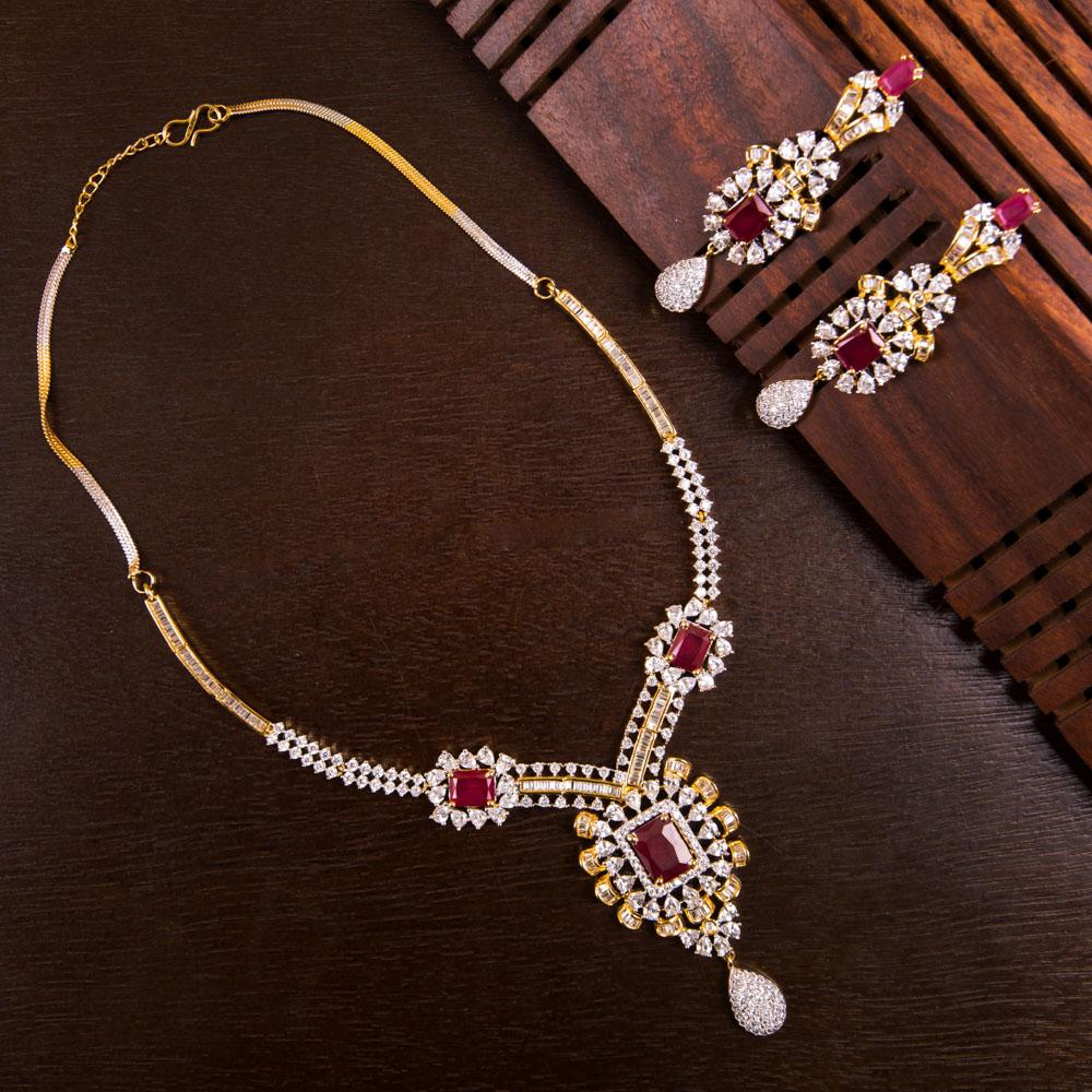 Craft of intricacy luxury necklace set