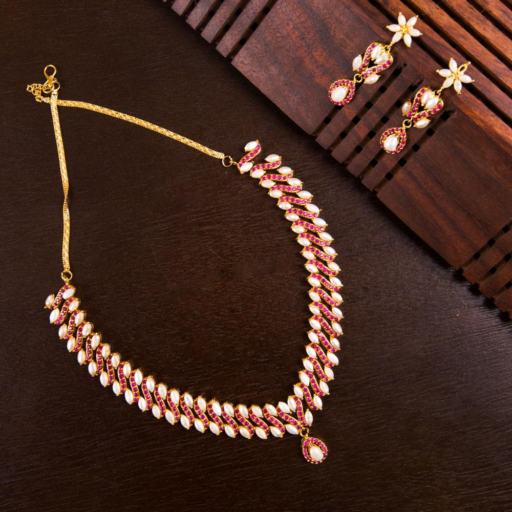 Bling semi precious and gold plated necklace set