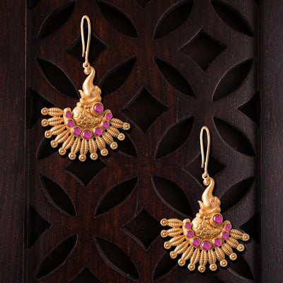 Gold platted temple stylish earrings