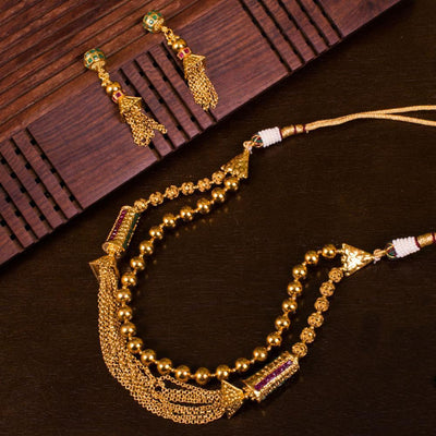 Adjustable gold plated layered set