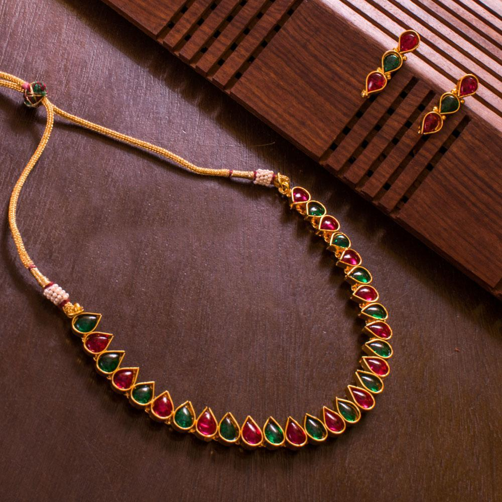 Delicate red and green necklace set