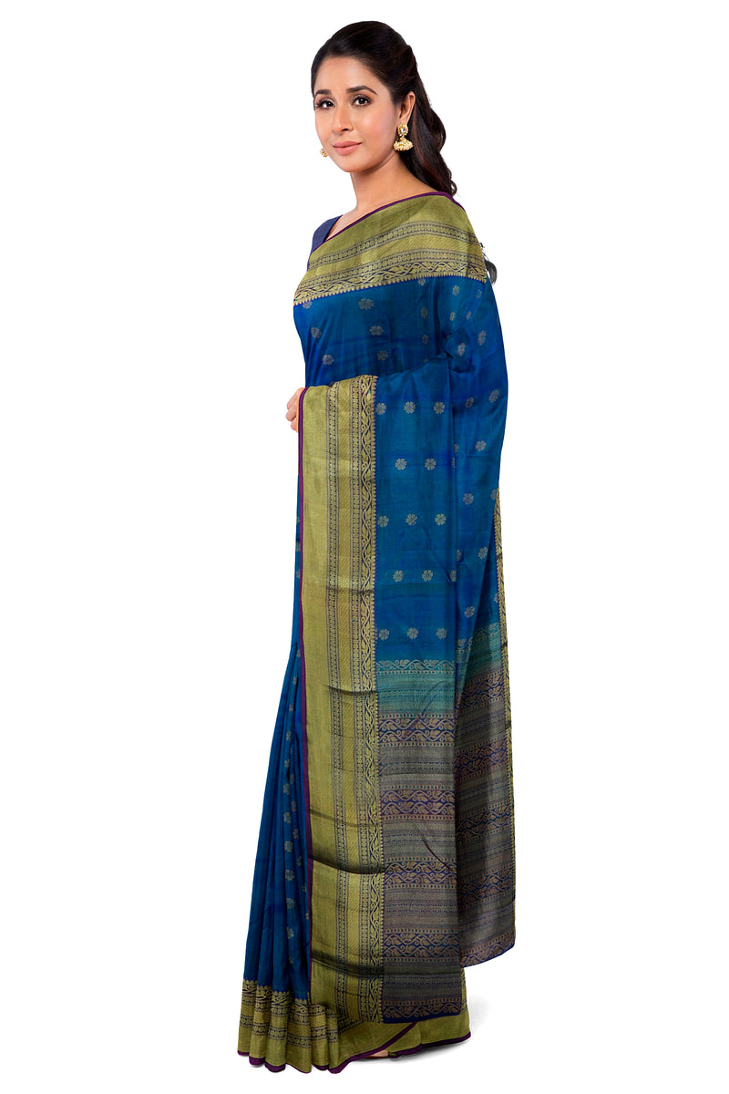 Kanjivaram Silk Saree Cerulean Blue with flower Buttas and Floral zari border