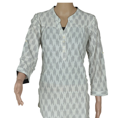 Ikkat Short Kurta off white and black