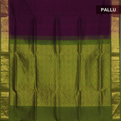 Silk Cotton Saree : Violet and Mehandi Green with zari border Jacquard
