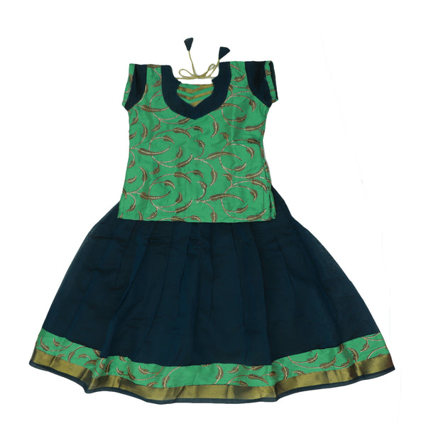Paavadai Sattai-Seafoem Green with embroidery and Peacock Blue with Zari border(5 year)