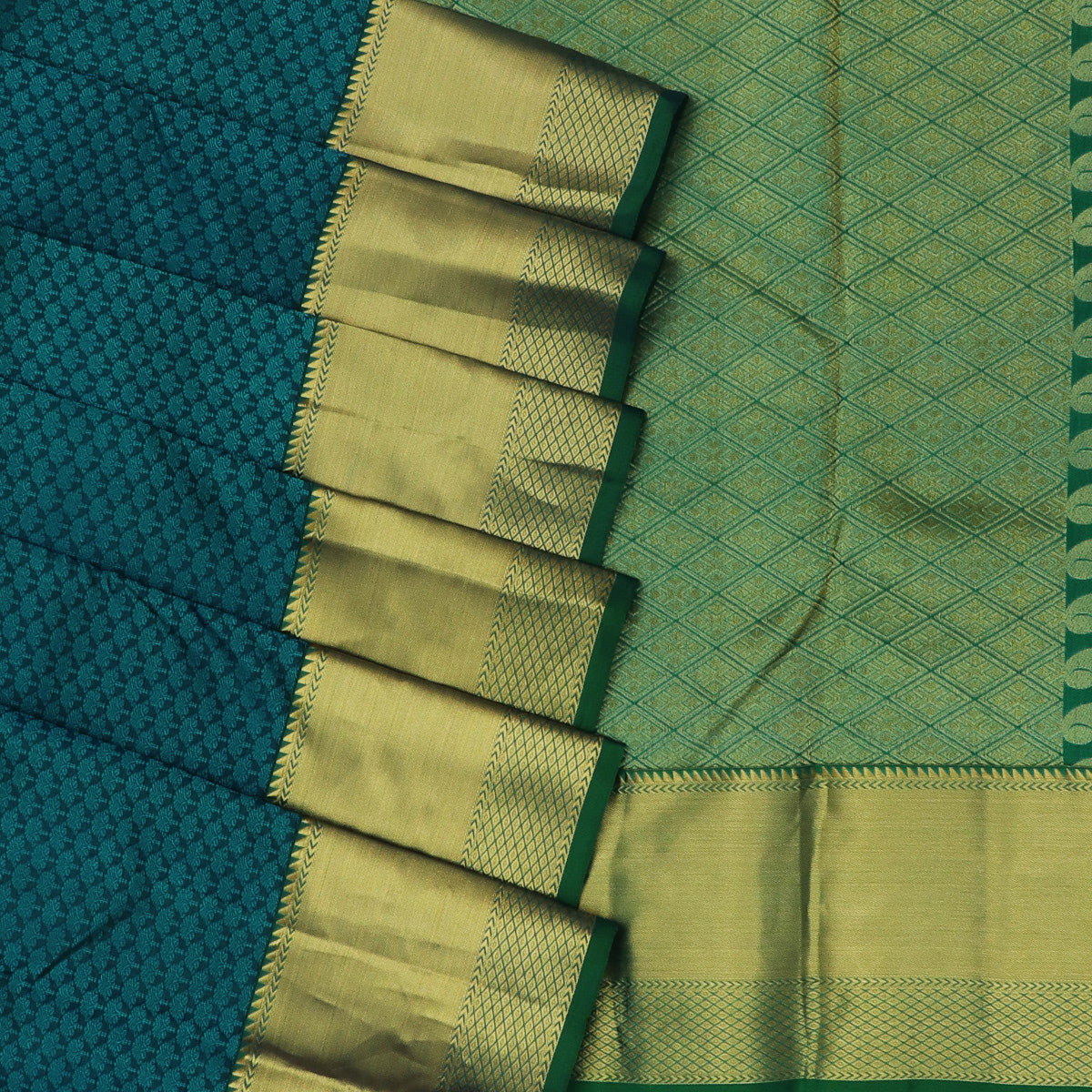 Kanjivaram Silk Saree sky Blue dual shade and Green with Zari Border