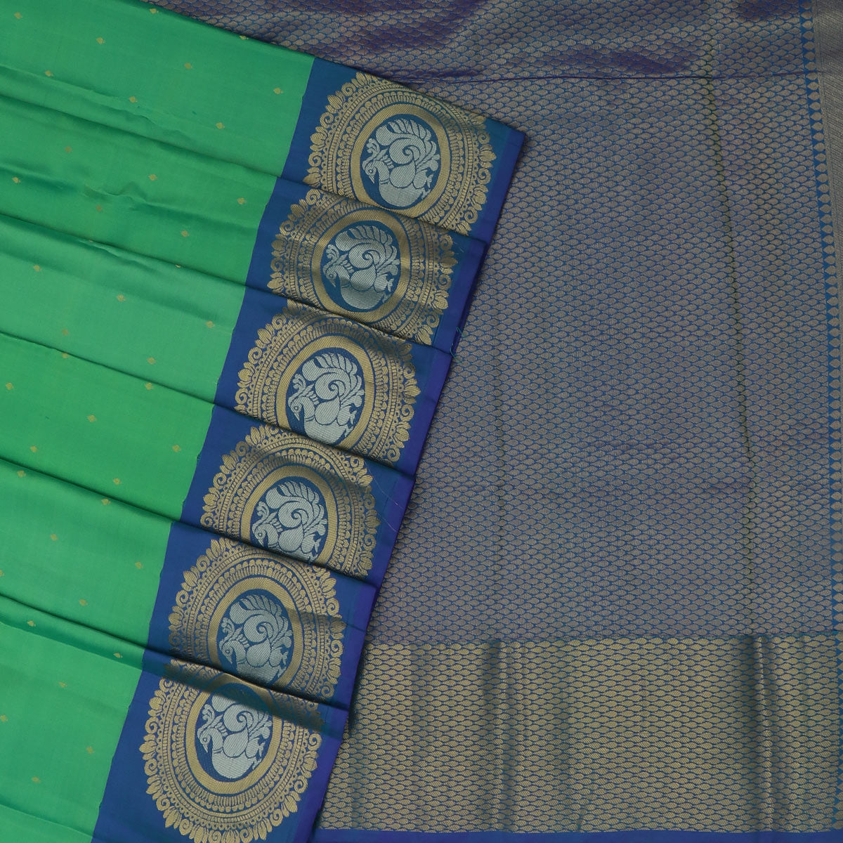 Kanjivaram Silk Saree  Green with Butta and Blue with Round Annam Zari border