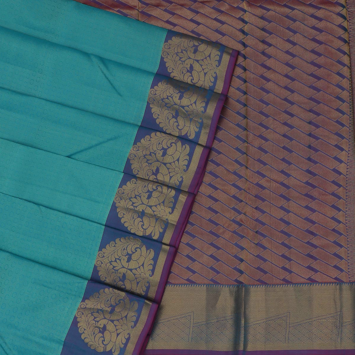 Kanjivaram Silk Saree Electric blue and Purple shade with Peacock Zari border
