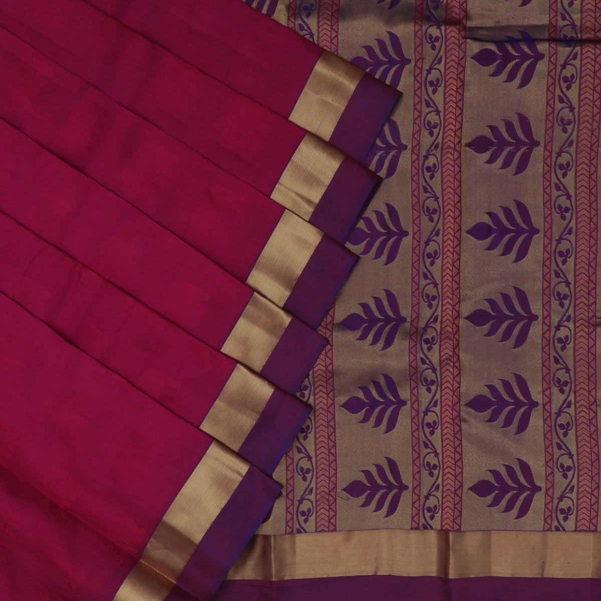 Pure Silk Saree Magenta and Violet shade with Emboss and Simple Zari border