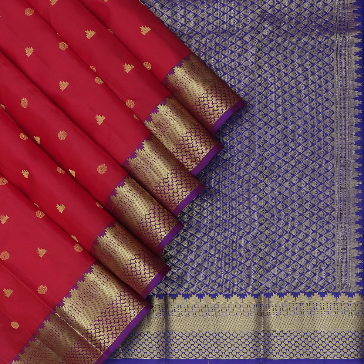 kanjivaram Silk Saree Red Shade and Blue with Butta and Temple zari border