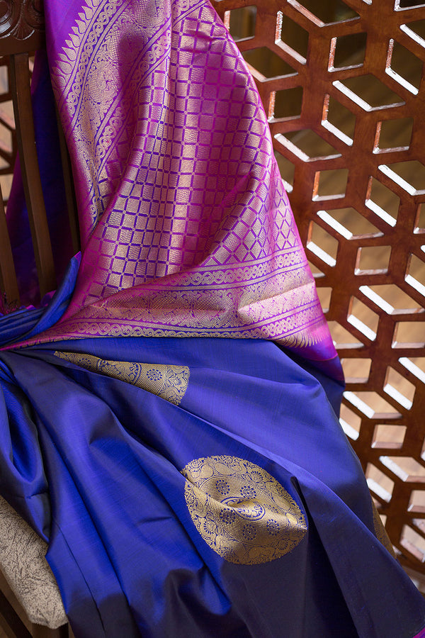 Kanjivaram silk Sarees Navy Blue with Annam Mandala Zari buttas