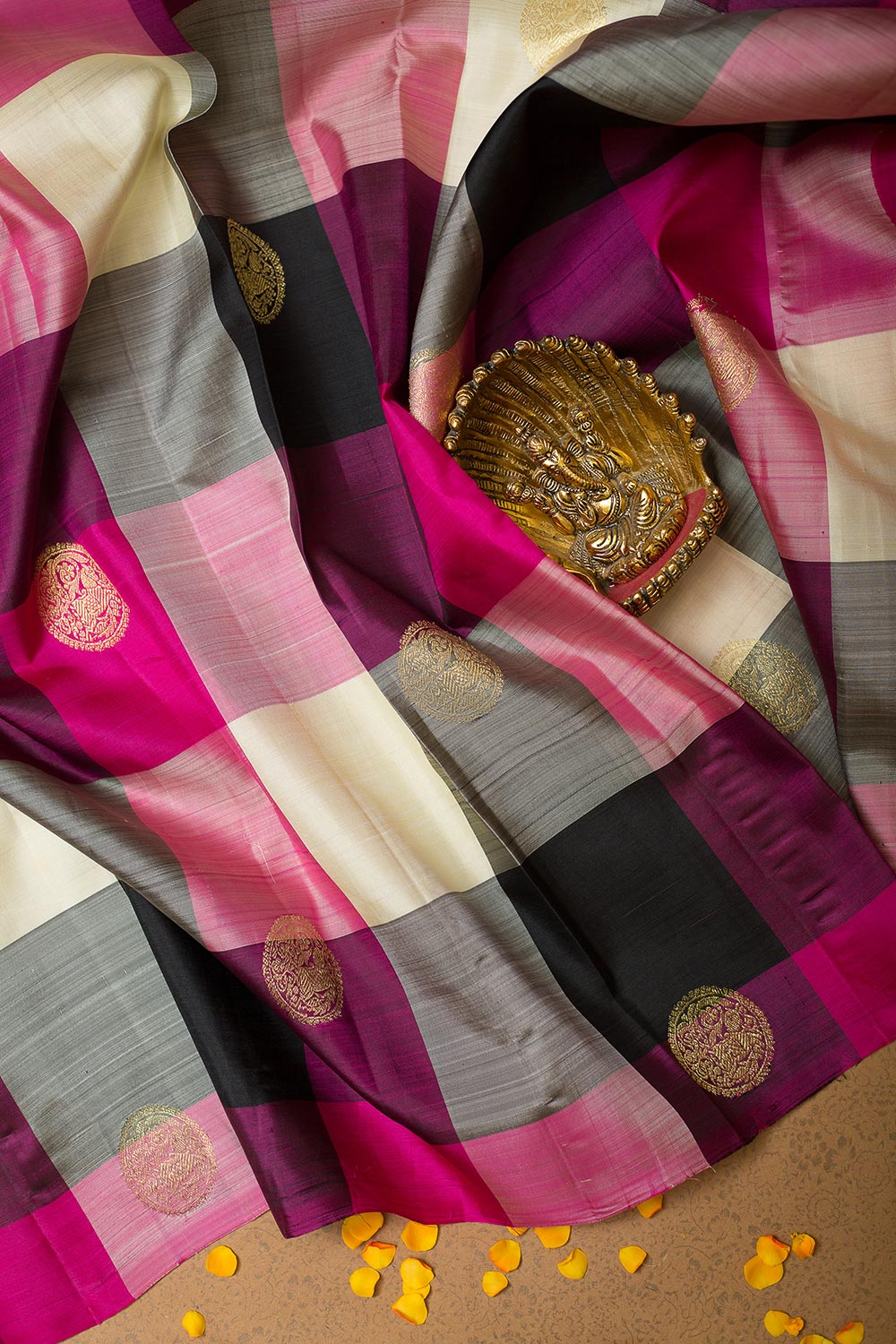 Kanjivaram Silk Saree Checked Pink and Violet with Buttas