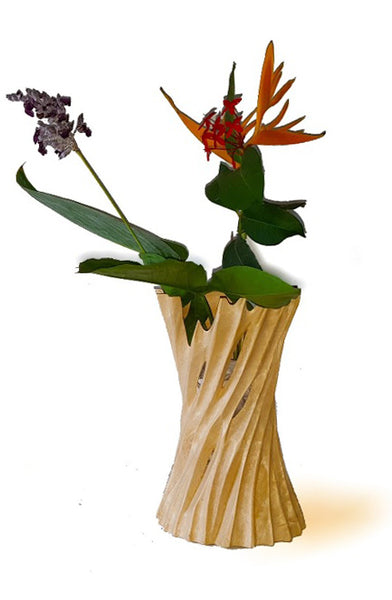 roro Mango Wood Hand-Cut Concave Vase Made from Sustainable Orchard Wood