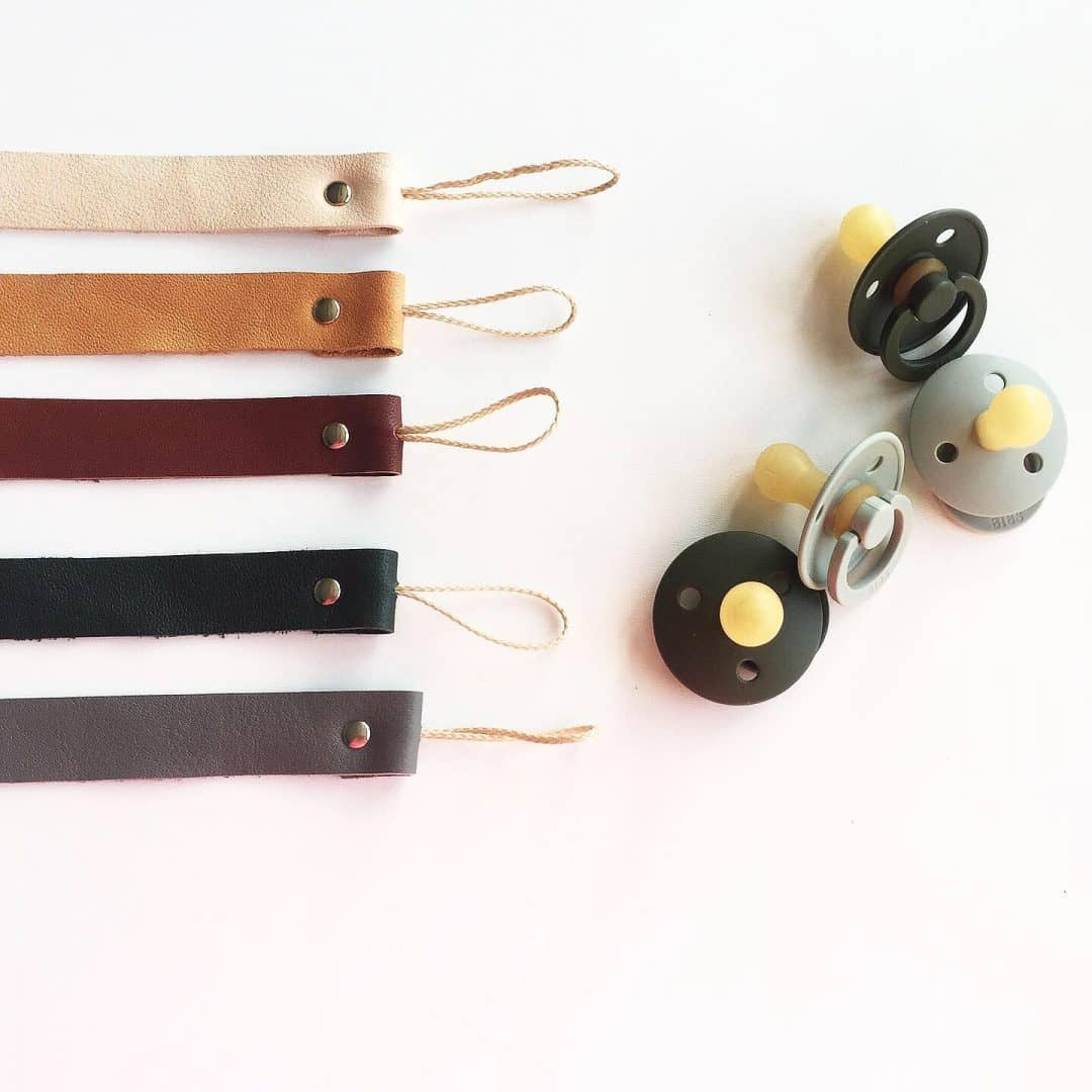 Bezisa Leather pacifier clip - Multiple colours  - Hola BB