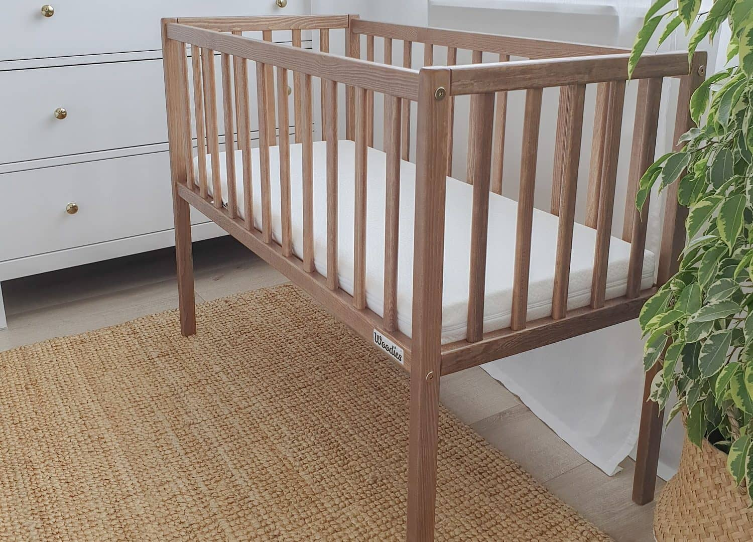 Woodies Nobel Vintage Bedside Crib  - Hola BB
