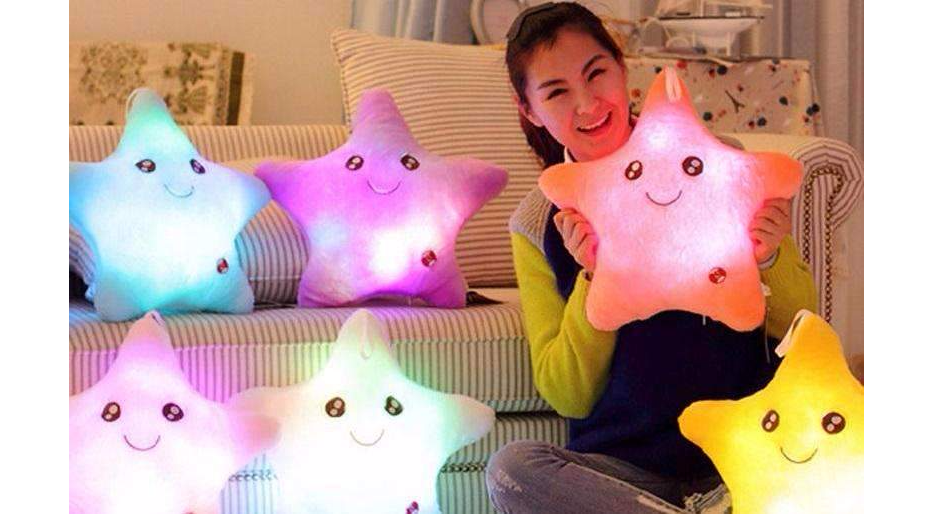 CuteCuteWorld:Happy Star Glow-in-the-dark Pillow,White