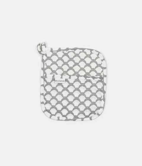 Iris Hantverk Sara's Roof Potholder - Neutral Grey
