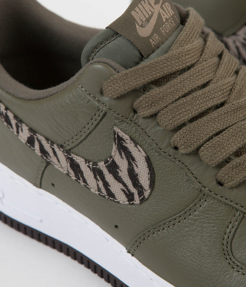 Nike Air Force 1 Premium AOP Shoes - Medium Olive / Khaki - Velvet Brown - White