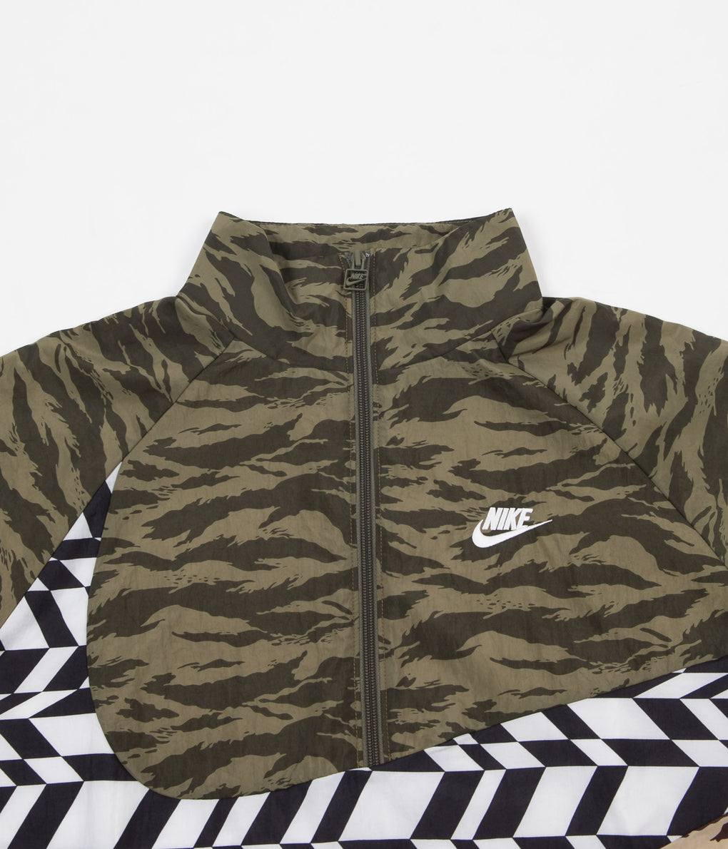 Nike AOP VW Swoosh Woven Half Zip Jacket - Medium Olive / White / White