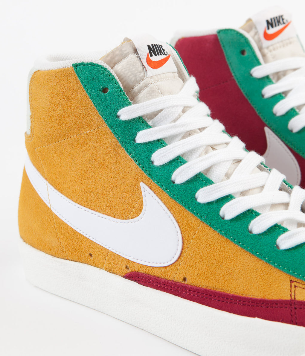 Nike Blazer Mid '77 Vintage Suede Shoes - Noble Red / Kinetic Green - Jade Aura