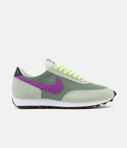 Nike Daybreak Shoes - Silver Pine / Hyper Violet - Pistachio Frost