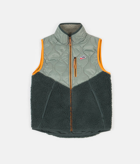 Nike Heritage Insulated Winter Vest - Spiral Sage / Vintage Green - Kumquat