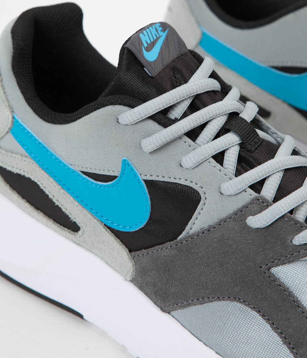 Nike Pantheos Shoes - Light Pumice / Light Blue Fury - Dark Grey