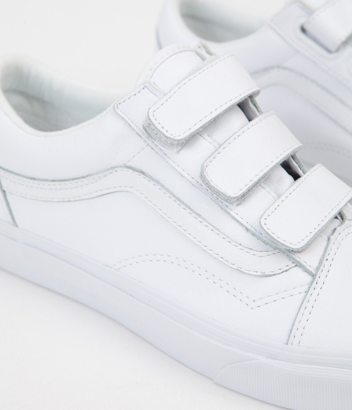 aa46704246 Mono Canvas Old Skool in 2018 Clothes t Vans Shoes