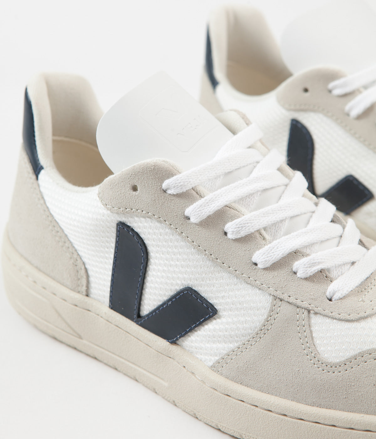 Dificil acoplador el viento es fuerte  Veja Womens V-10 B-Mesh Shoes - White / Nautico | Always in Colour