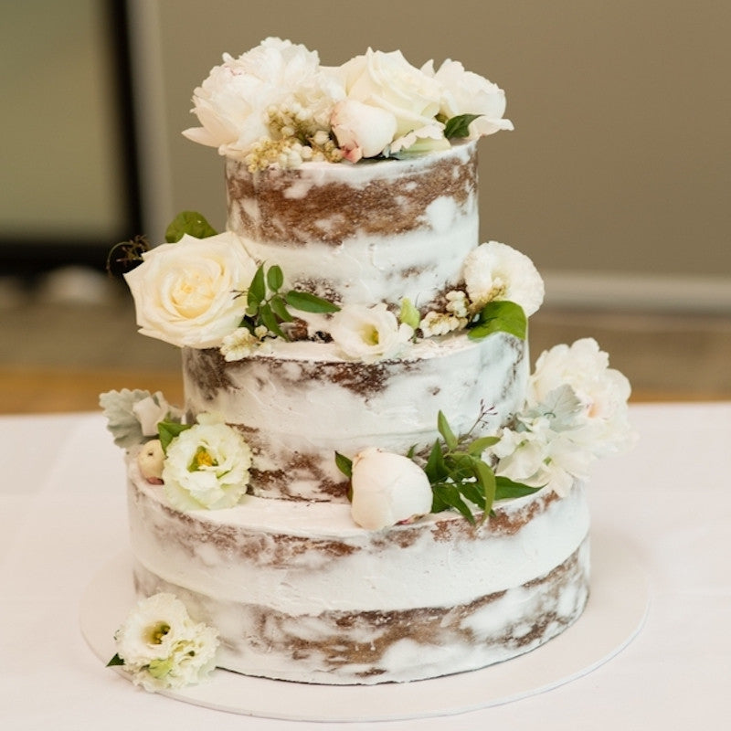 Cake Flowers Mordialloc Florist. Photo by Sorrento Weddings Photography