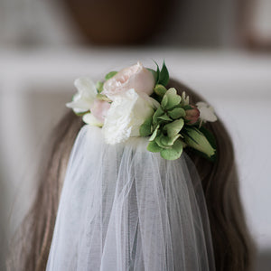 Wedding Hair Flowers Mordialloc Florist. Photo by Passion8 Photography