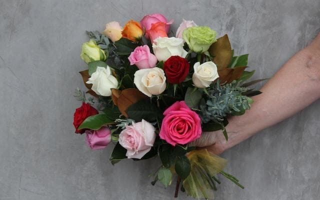 Real Florist. Real Flowers. Melbourne Online Delivery. Same Day | Rainbow Roses