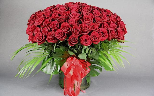 Real Florist. Real Flowers. Melbourne Online Delivery. Same Day | 99 Red Roses
