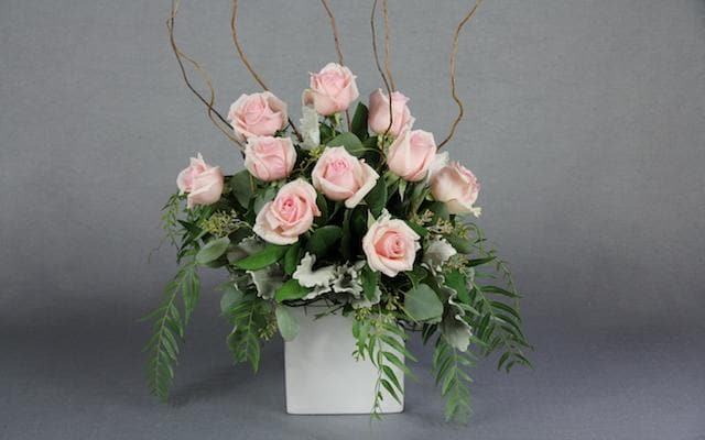 Real Florist. Real Flowers. Melbourne Online Delivery. Same Day | Gorgeous Rose Pot