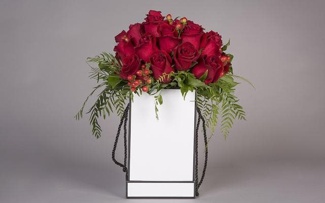 Real Florist. Real Flowers. Melbourne Online Delivery. Same Day | Luxe Rose Hat Box