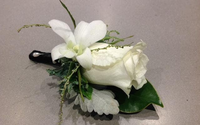 Real Florist. Real Flowers. Melbourne Online Delivery. Same Day | Buttonhole | Boutonniere