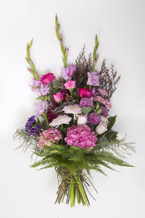 Real Florist. Real Flowers. Melbourne Online Delivery. Same Day | Pretty n Bold Premium Sympathy Sheaf
