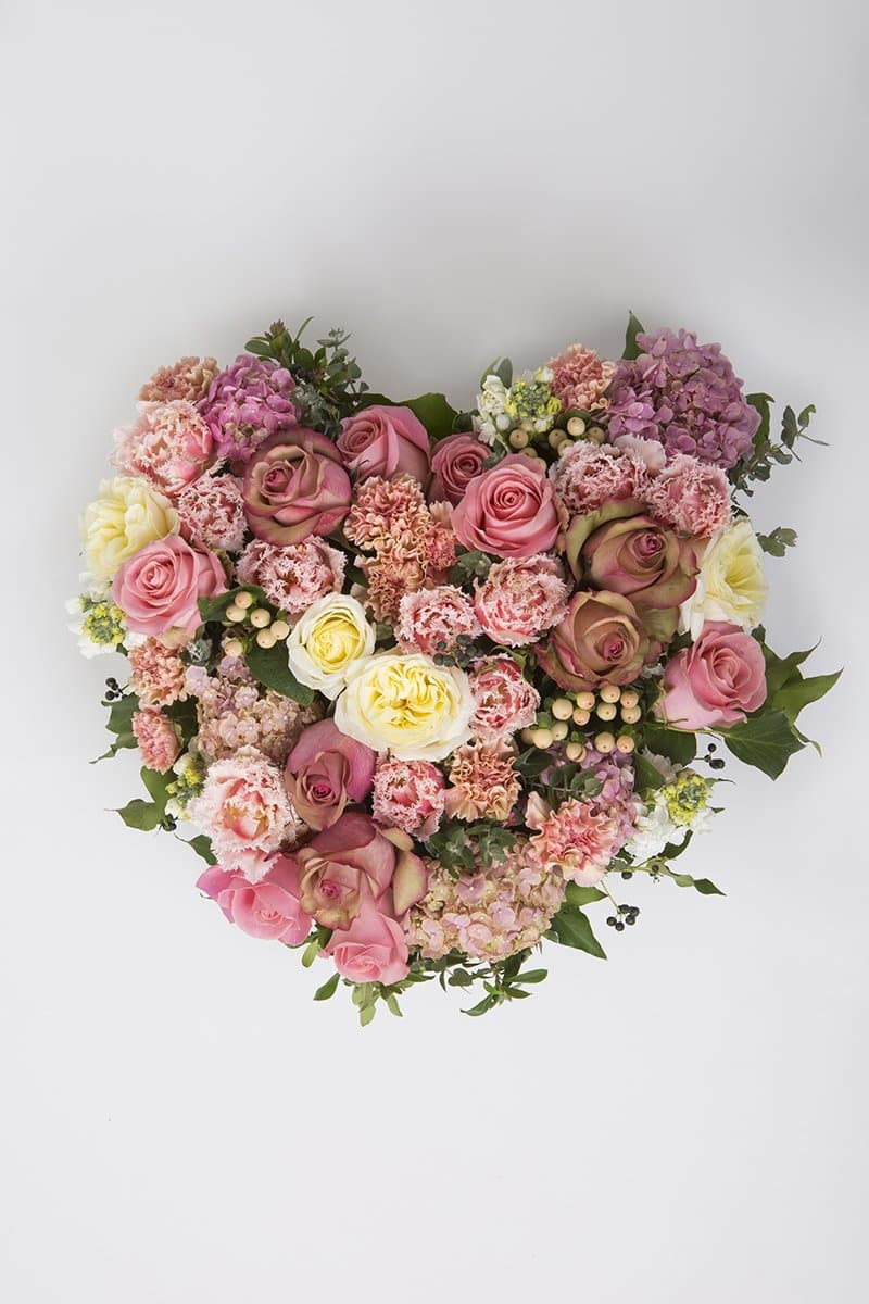 Real Florist. Real Flowers. Melbourne Online Delivery. Same Day | Pretty Perfect Premium Funeral Heart
