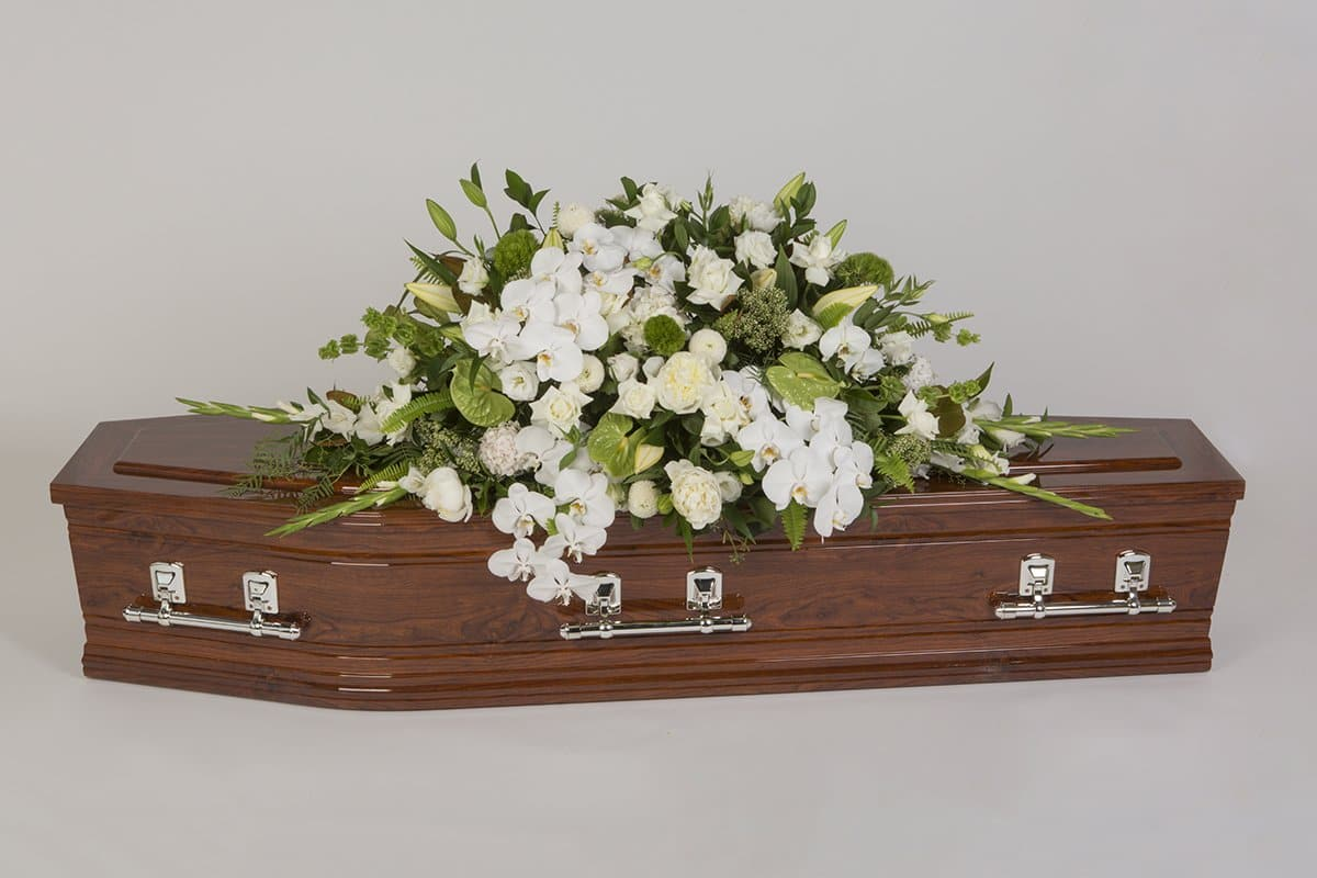 Casket flowers mordialloc florist real flowers melbourne online delivery same day white wonderland izmirmasajfo
