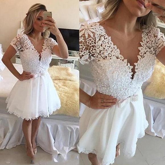 Short Sleeves Graduation Dress White Prom Dress Short Lace Homecoming Gown with Beaded