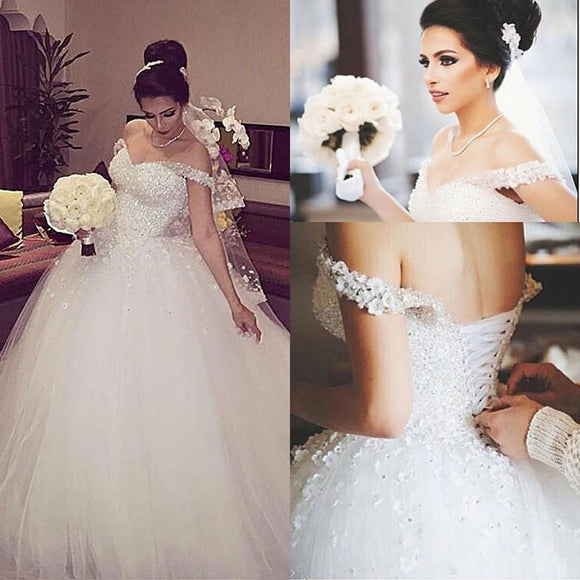 Princess Ball Gown Bride Dress White Tulle Elegant Hand made Flowers Wedding Gown
